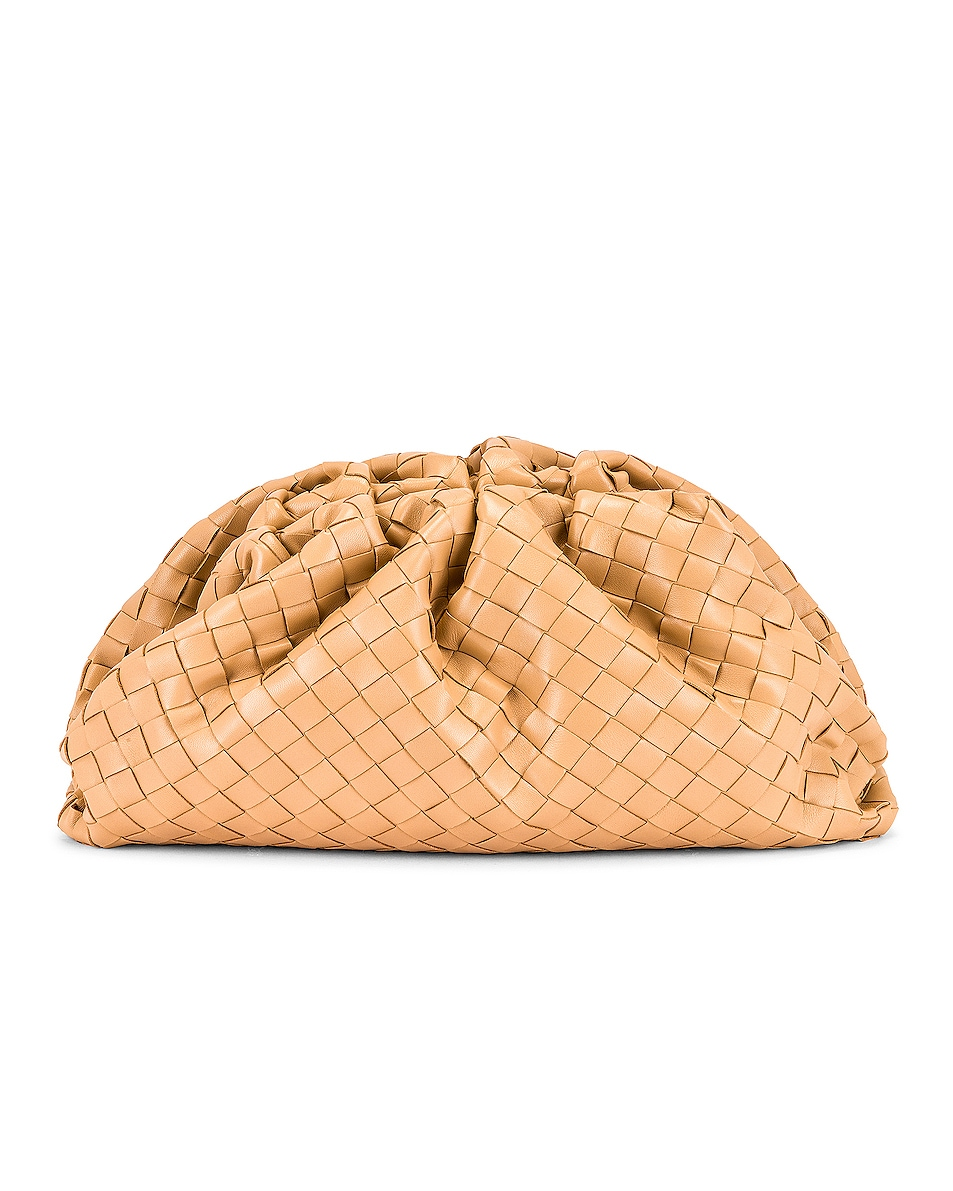 Image 3 of Bottega Veneta Woven The Pouch Clutch in Nude & Gold