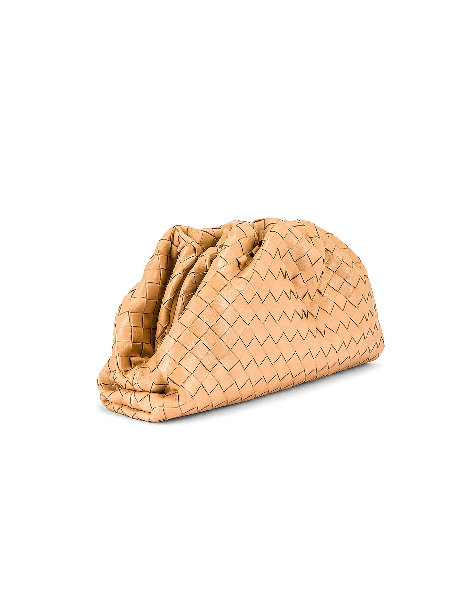 Image 4 of Bottega Veneta Woven The Pouch Clutch in Nude & Gold