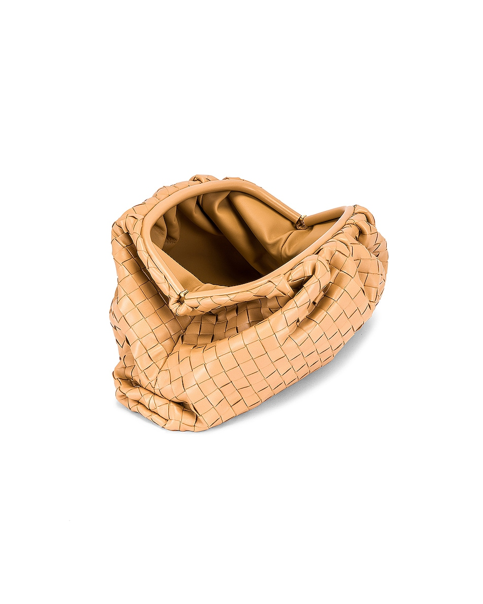 Image 5 of Bottega Veneta Woven The Pouch Clutch in Nude & Gold