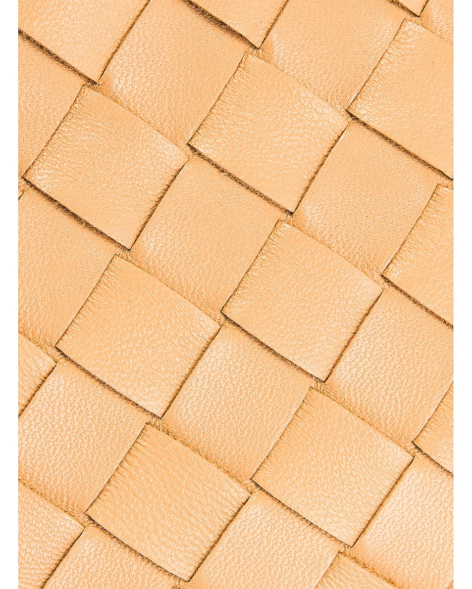 Image 7 of Bottega Veneta Woven The Pouch Clutch in Nude & Gold