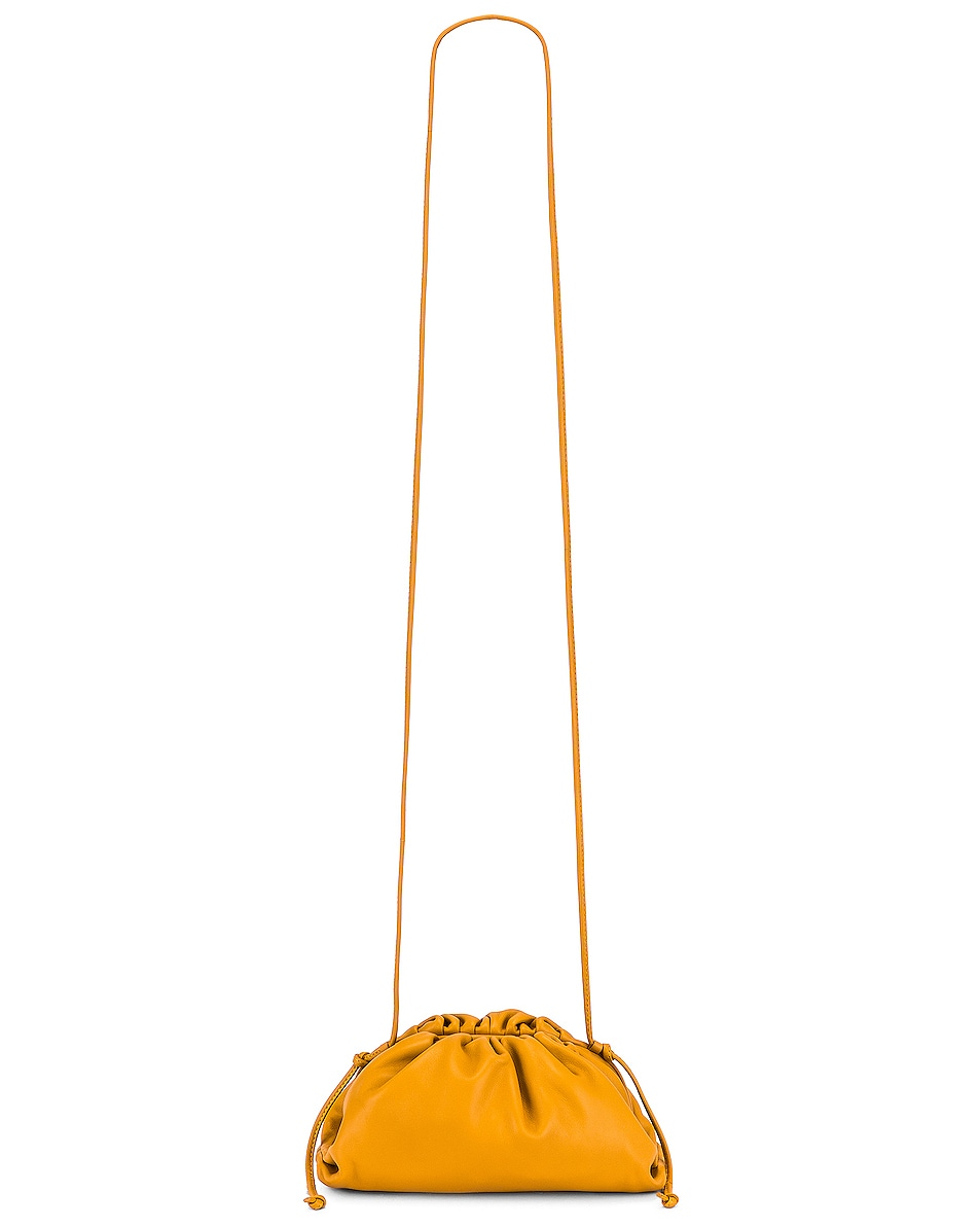 Image 6 of Bottega Veneta The Pouch 20 Clutch Bag in Ocra & Gold
