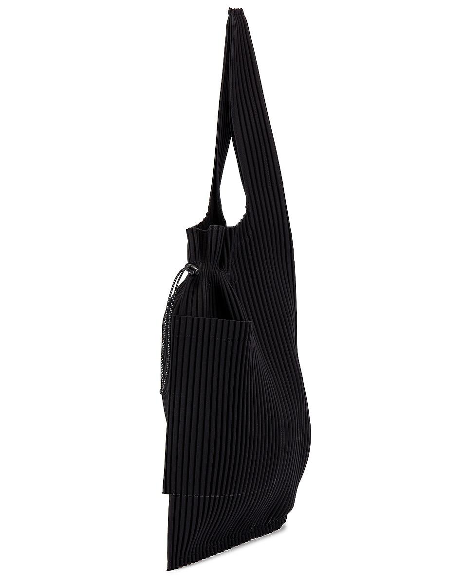 Image 4 of Issey Miyake Homme Plisse Pleats Easy Bag in Black