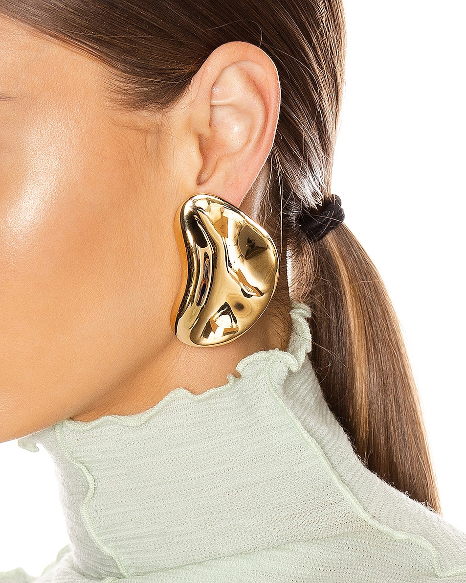 Image 2 of Jil Sander Fluid Earrings in Gold