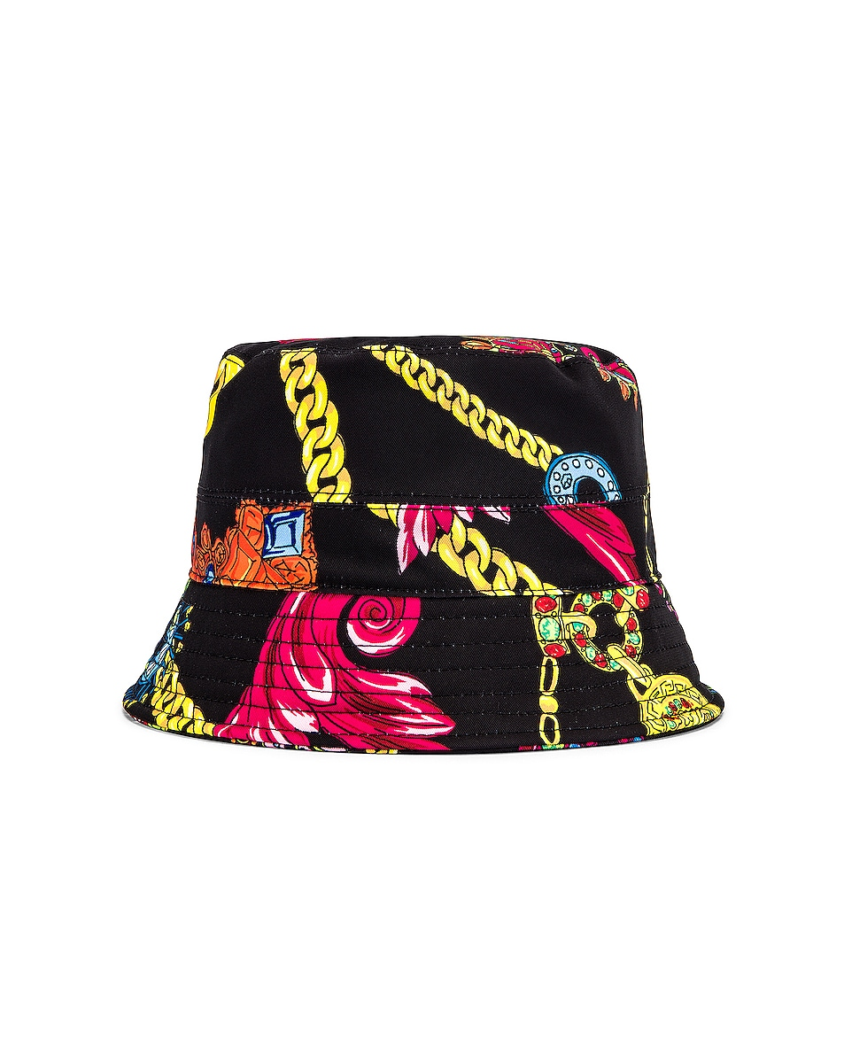 Image 1 of VERSACE Cap in Nero & Stampa