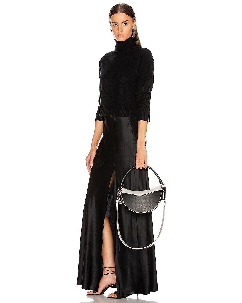Image 2 of Yuzefi Dip Bag in Nero & Cream