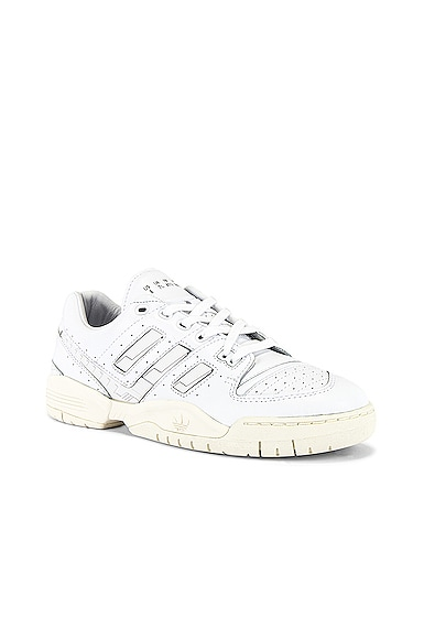 Torsion Comp Sneaker