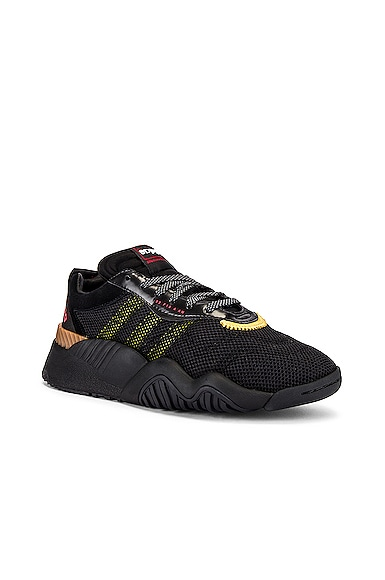 Turnout Trainer Sneaker