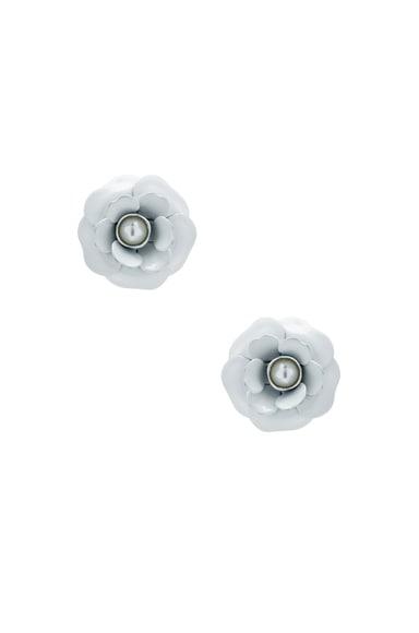 Pearl Center Rose Earrings