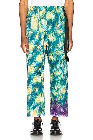Vibrating Floral Line Stitch Trousers