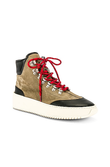 6th Collection Hiker
