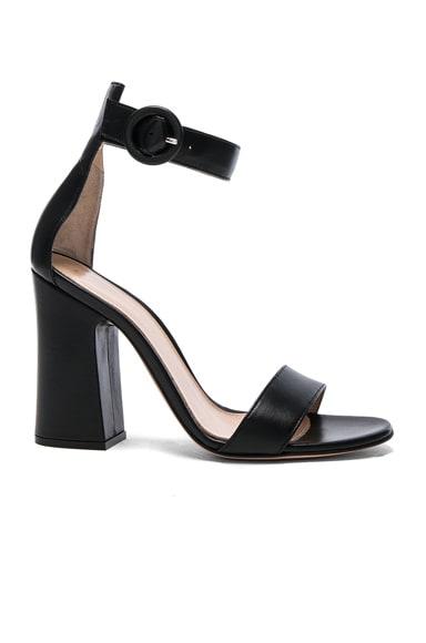 Leather Versilia Sandals in Black