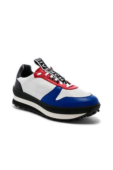 TR3 Runner Sneakers