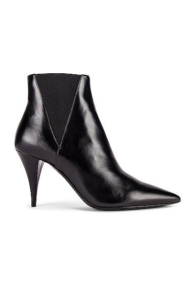 Saint Laurent Kiki Chelsea Booties In Smooth Leather In Black