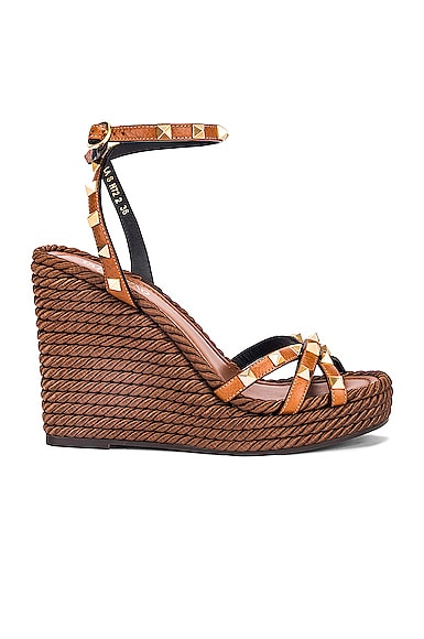 Rockstud Wedges