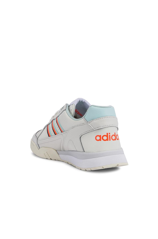 Image 3 of adidas Originals A.R. Trainer in White
