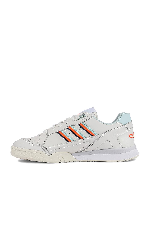 Image 5 of adidas Originals A.R. Trainer in White