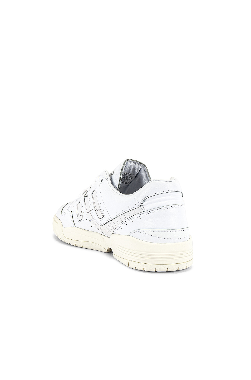 Image 3 of adidas Originals Torsion Comp Sneaker in White
