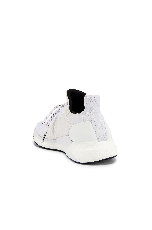 Image 3 of adidas x Pharrell Williams Solar Hu Human Made in White & Core Black & Scarlet