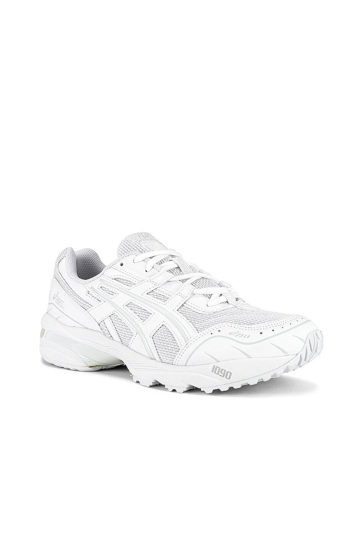 Image 1 of Asics Platinum Gel-1090 in White & White