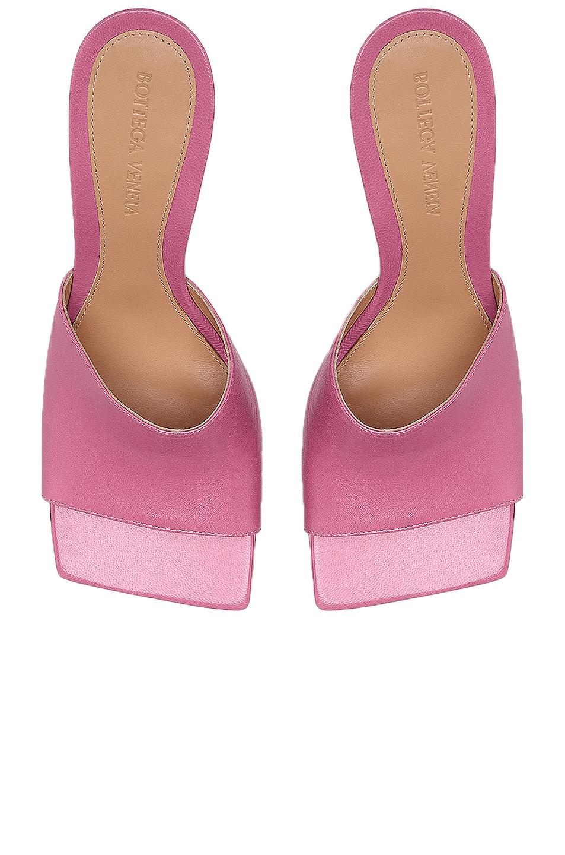 Image 4 of Bottega Veneta Leather Mules in Fresia