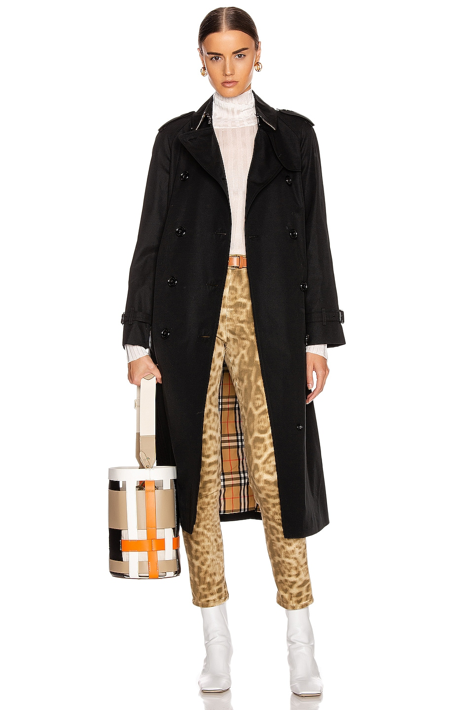 Image 1 of Burberry Heritage Refresh Slim Westminster Trench Jacket in Black