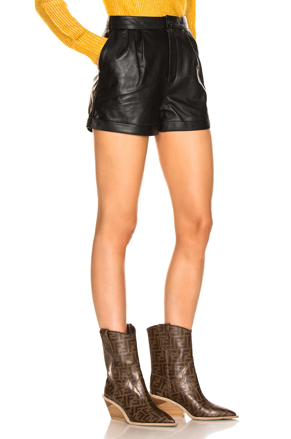 Image 2 of FRAME Pleated Culotte Short in Noir
