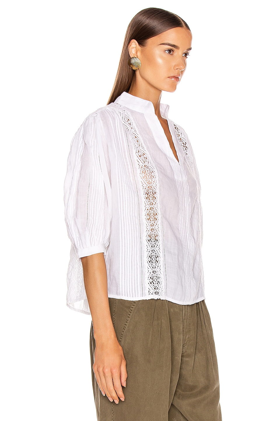 Image 2 of FRAME Cali Lace Popover Top in Blanc