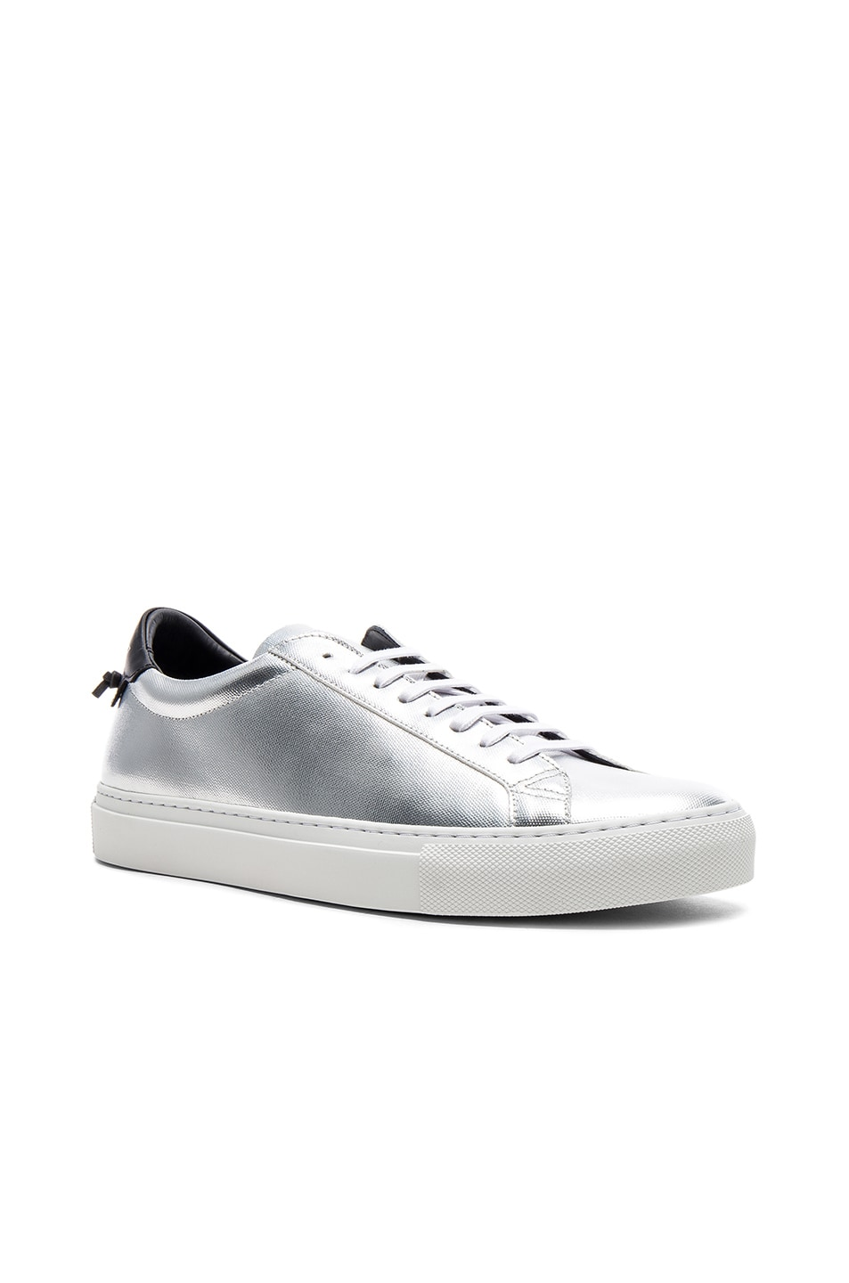 GivenchyLeather Urban Tie Knot Sneakers in . Yy6nXz