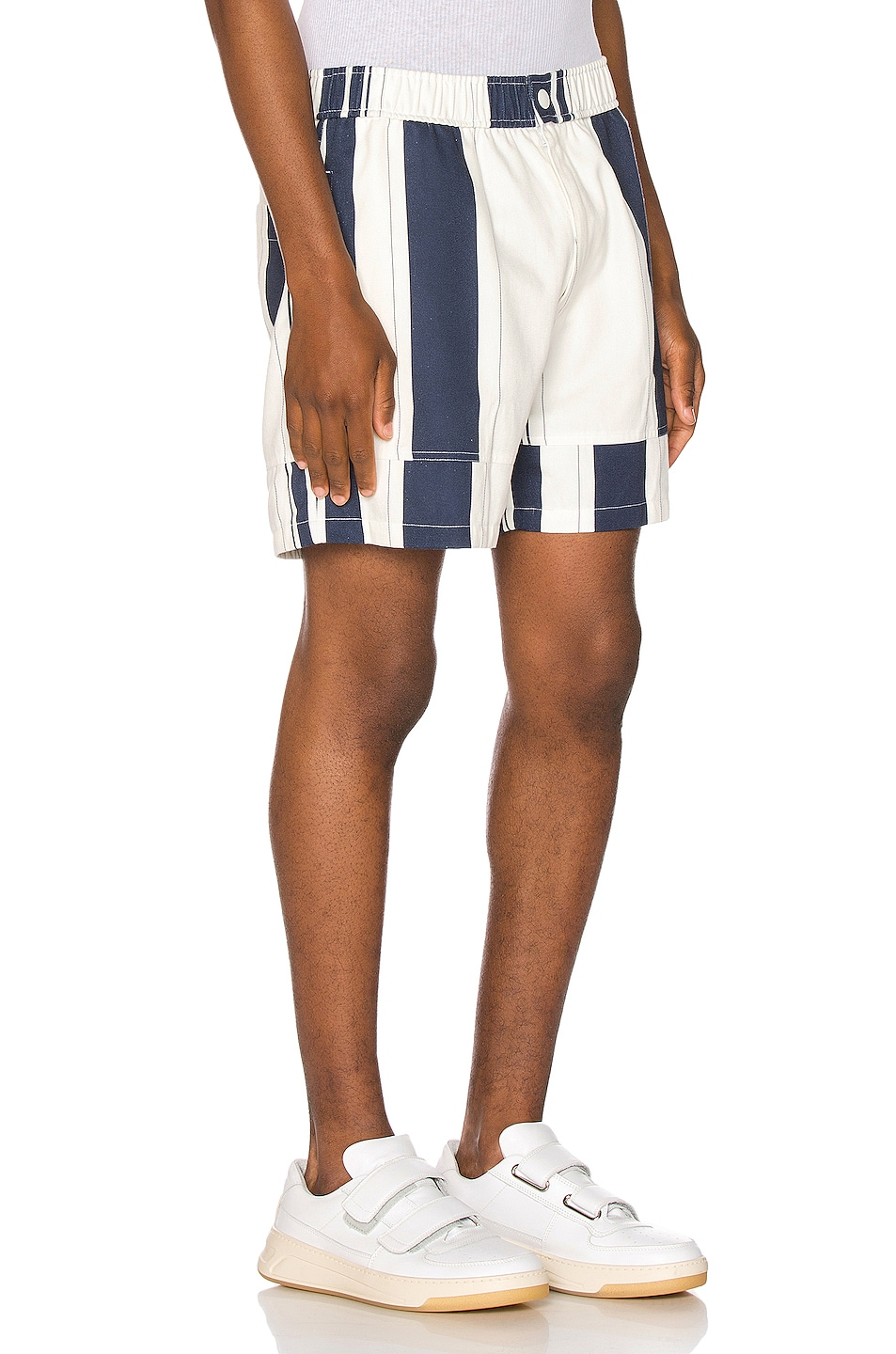 Image 2 of JACQUEMUS Striped Shorts in White & Blue