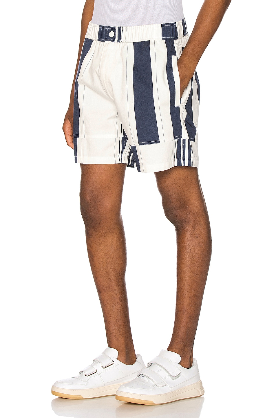 Image 3 of JACQUEMUS Striped Shorts in White & Blue