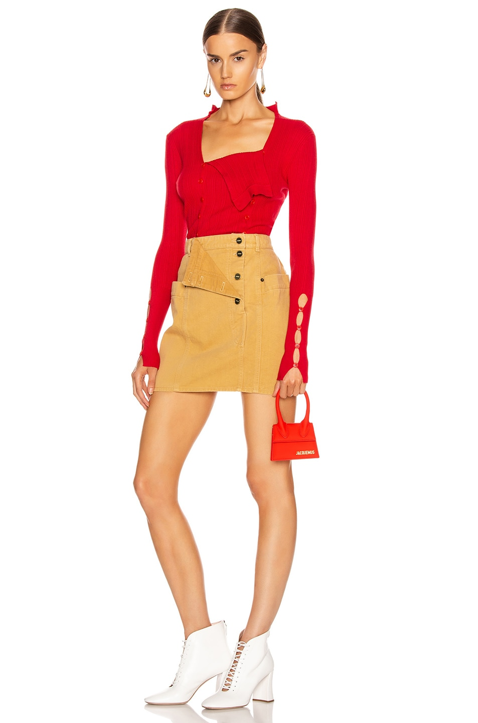 Image 5 of JACQUEMUS La Maille Azur in Red