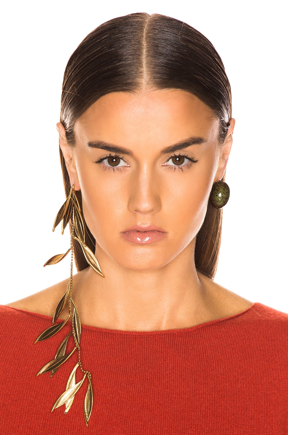 Image 4 of JACQUEMUS Olive Earrings in Green & Gold
