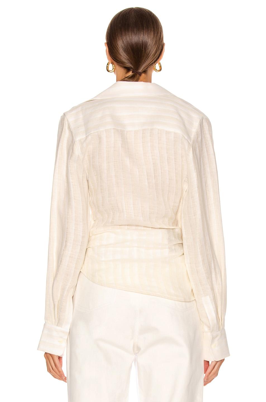 Image 4 of JACQUEMUS La Chemise Bahia in Off White
