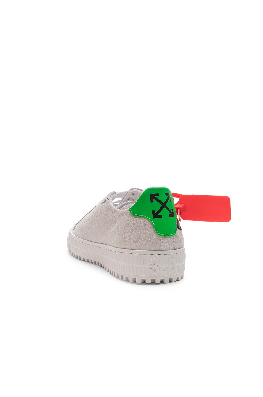Image 3 of OFF-WHITE Arrow Sneaker in White & Black