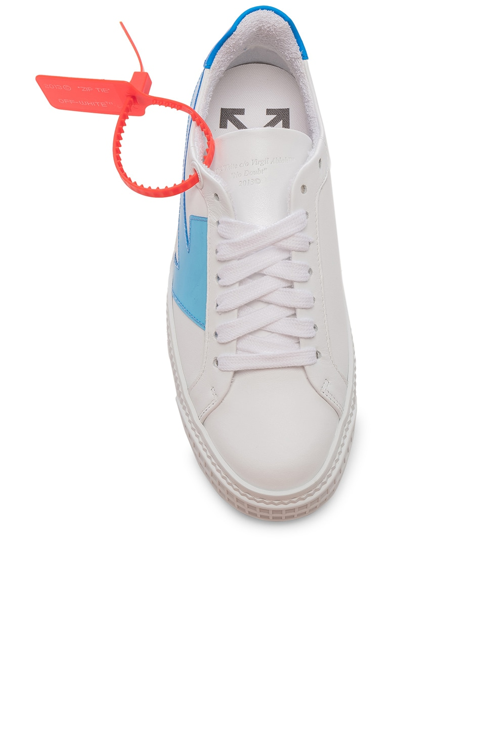 Image 4 of OFF-WHITE Arrow Sneaker in White & Blue