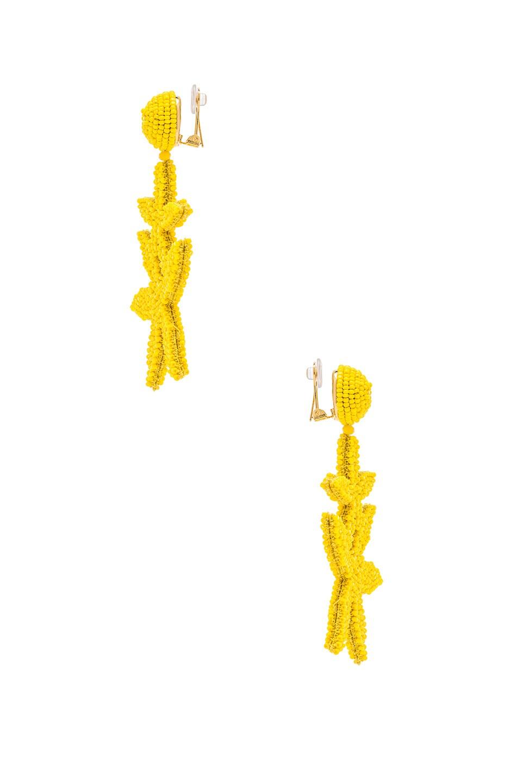 Image 2 of Oscar de la Renta Double Starfish Earrings in Citron