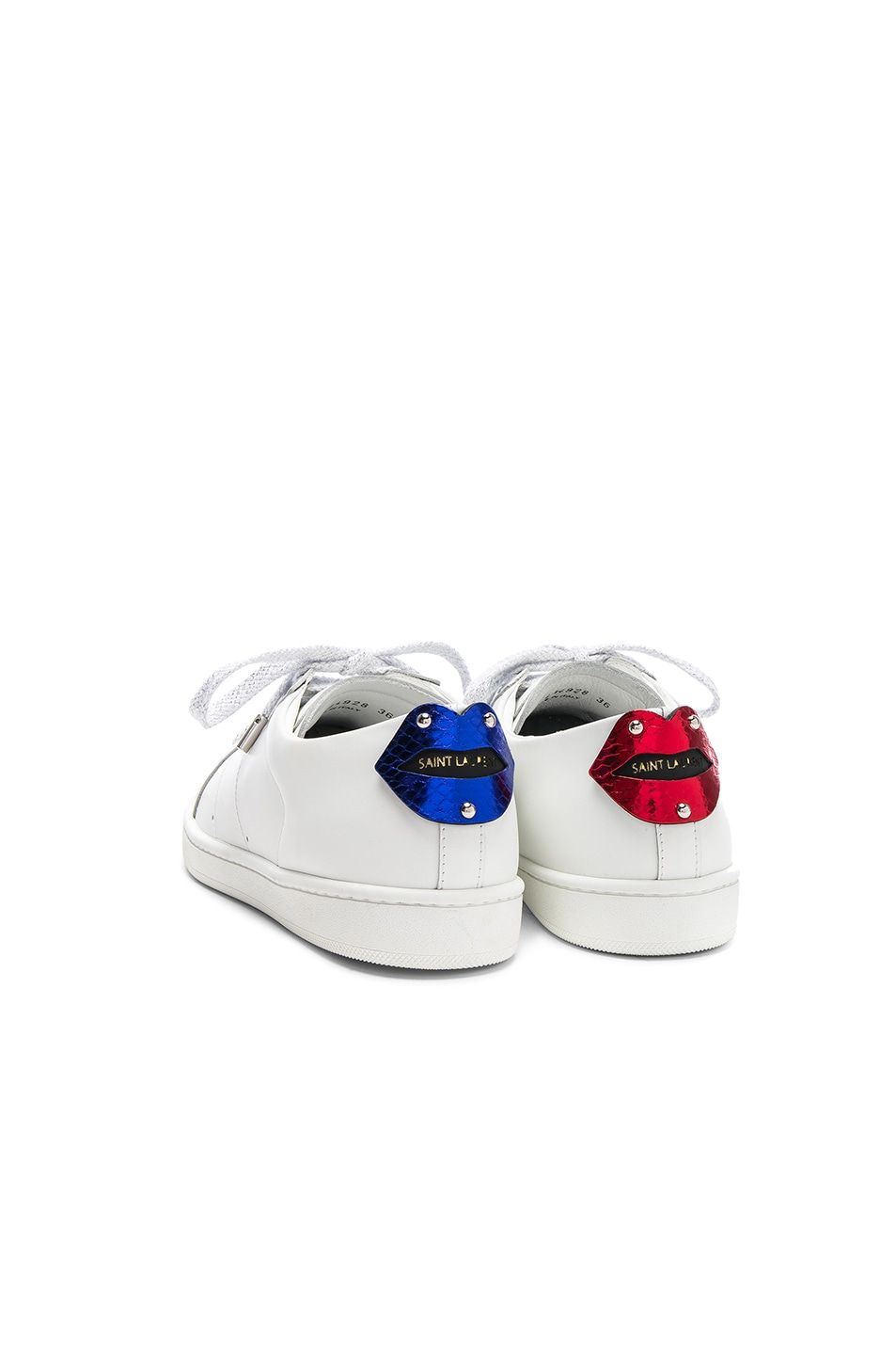 Saint Laurent Metallic Lips Patch Court Classic Sneakers in . zEYNM