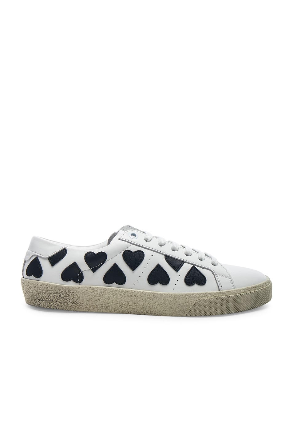 Saint Laurent Leather Court Classic Heart Embroidered Sneakers in . ux5BsN8