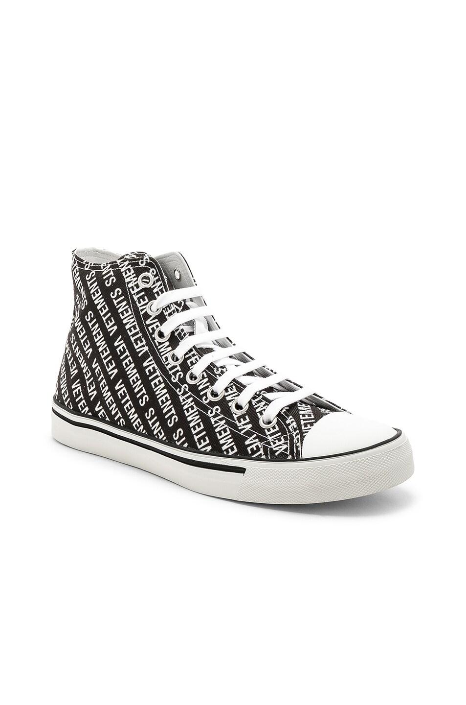 veteHommes ts ts ts imprimé toile de baskets en noir et blanc pour | fwrd 66cc67
