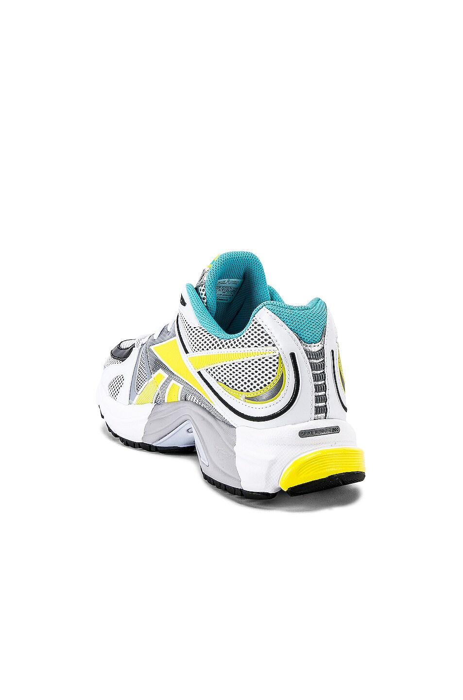 Image 3 of VETEMENTS Spike Runner 200 Sneaker in Fluo Blue
