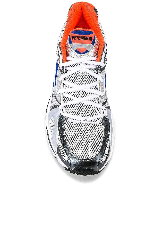 Image 4 of VETEMENTS Spike Runner 200 Sneaker in Fluo Orange