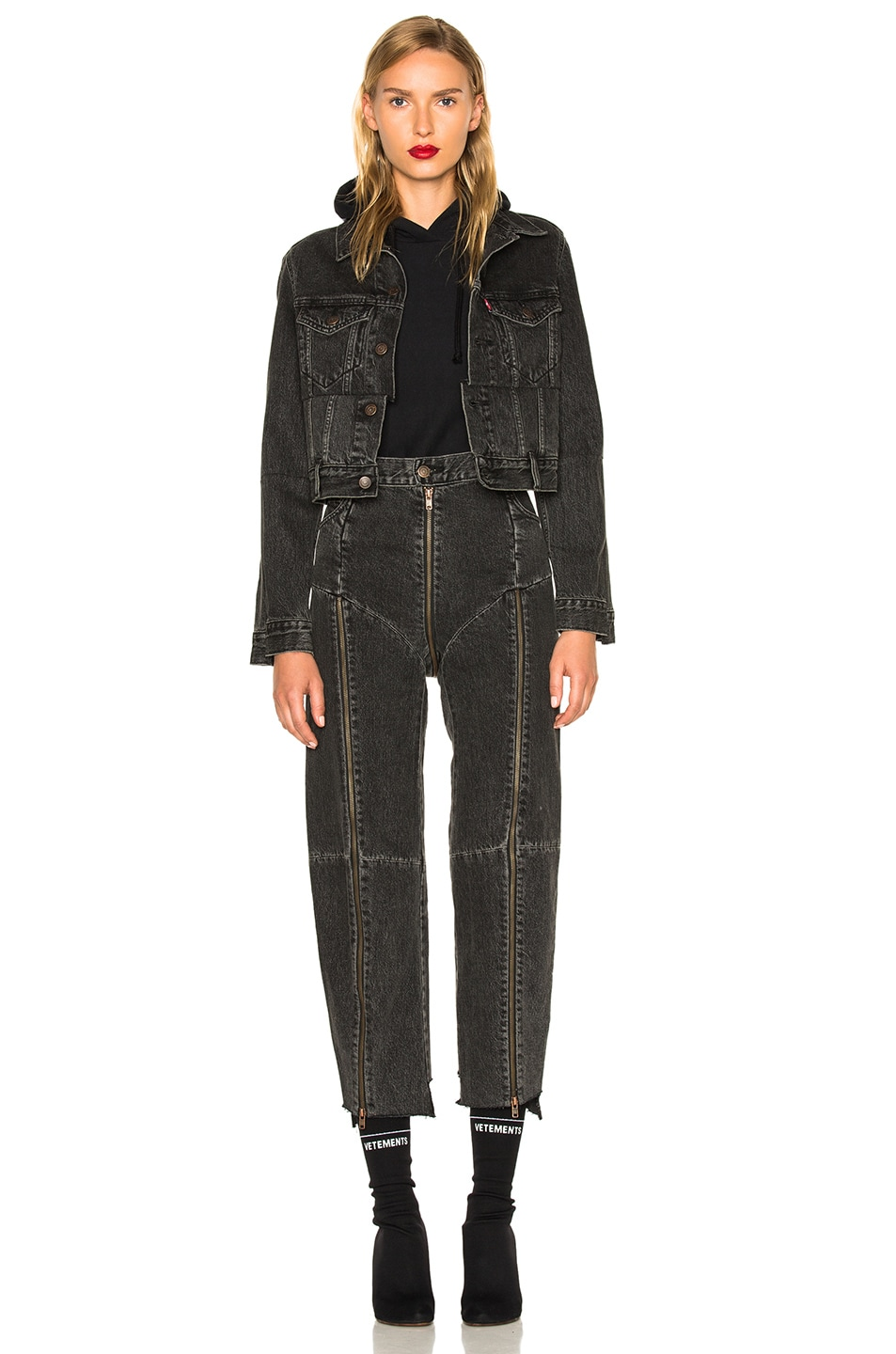 Image 6 of VETEMENTS x Levis Reworked Zip Denim in Black
