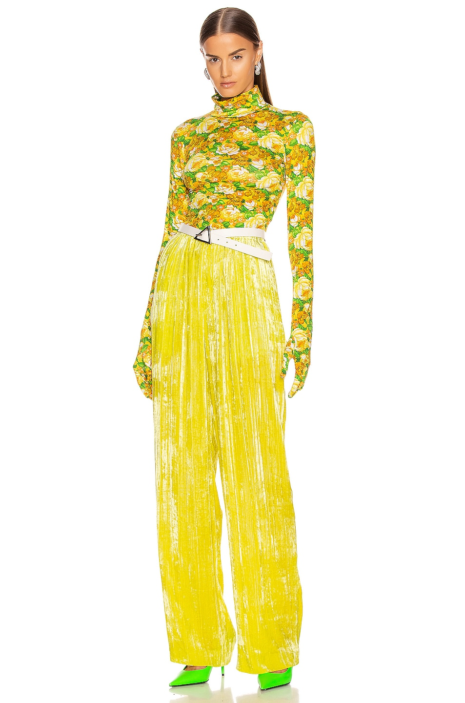 Image 4 of VETEMENTS Styling Top with Gloves in Yellow Flowers