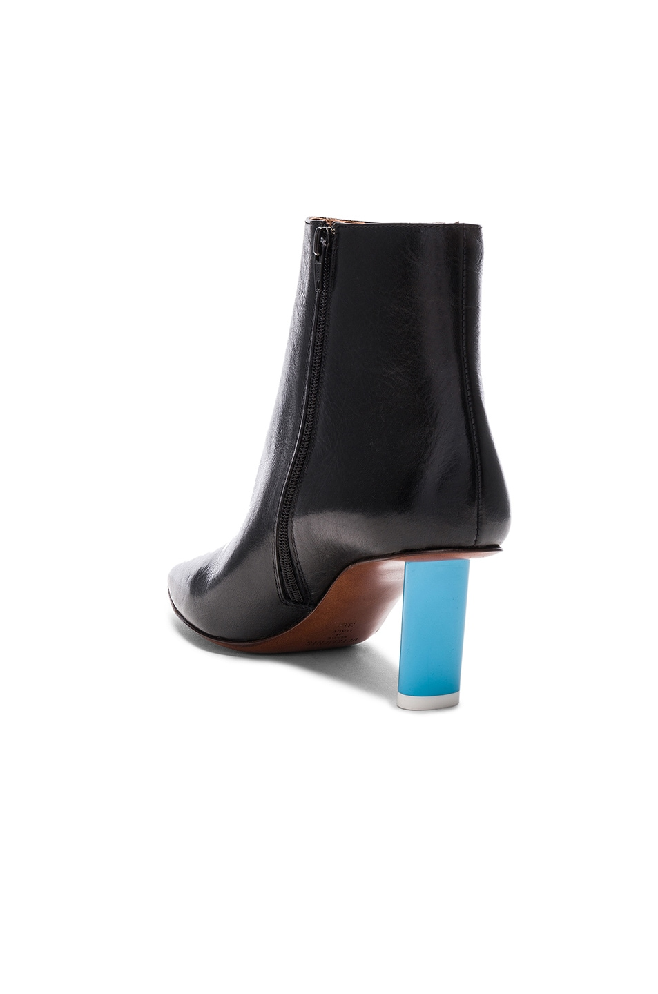 Vetements Leather Ankle Boots in . aFnbi