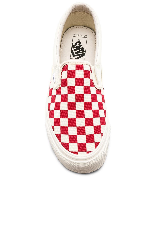 Image 4 of Vans Vault OG Classic Canvas Slip-Ons LX in White & Red