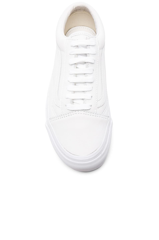 Vans Vault Leather Og Old Skool Lx In White Fwrd
