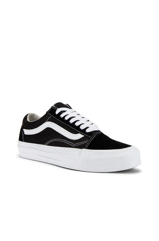 Image 2 of Vans Vault OG Old Skool LX in Black & True White