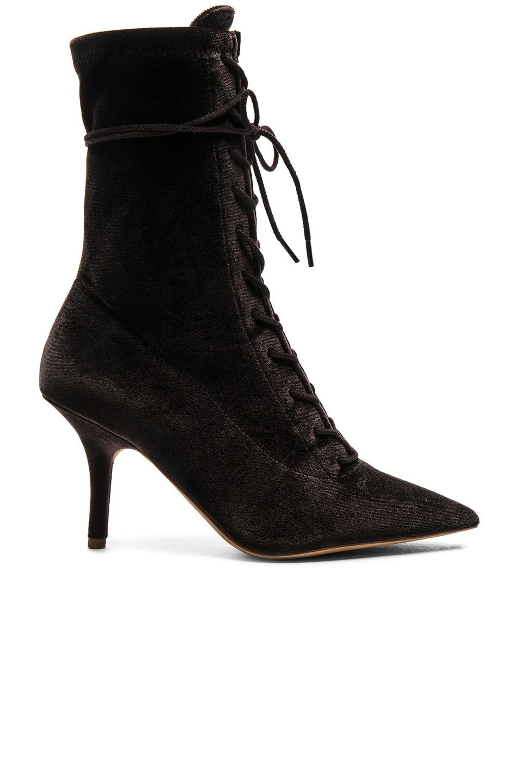 Yeezy Season 5 Velvet Lace Up Boots in . MnVLXjr01