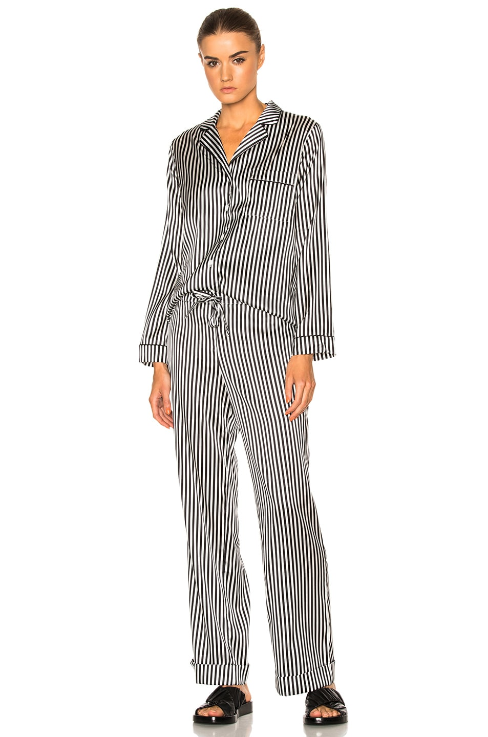 Image 1 of YOLKE Stripes Classic Set in Black & White