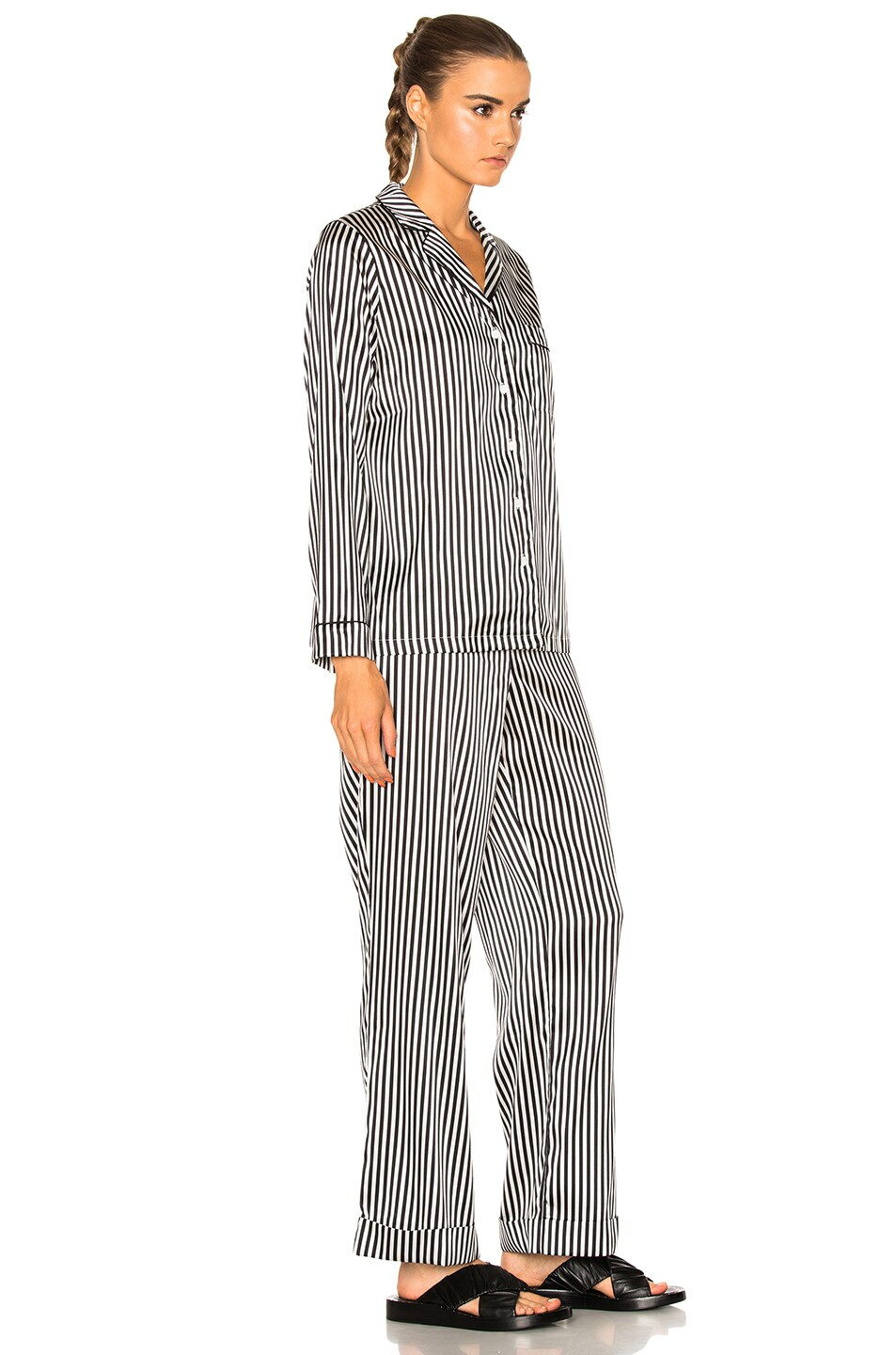 Image 3 of YOLKE Stripes Classic Set in Black & White